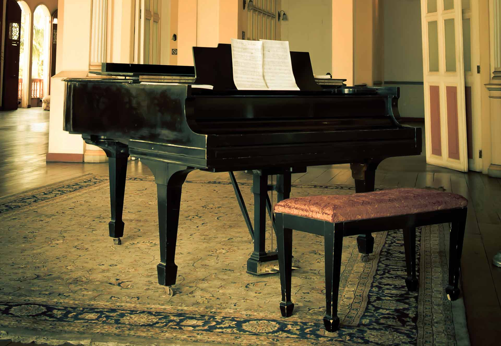 Grand piano in a beautiful house