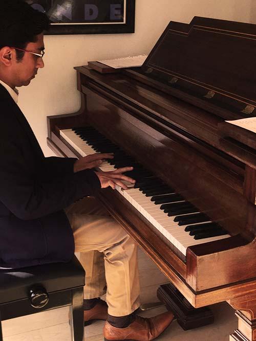Tanay performing
