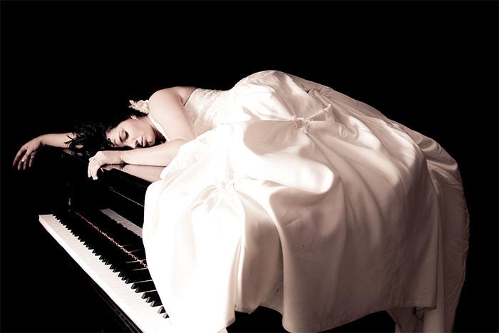 Pianist in despair