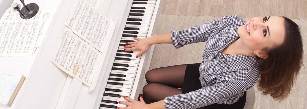 carefree female pianist